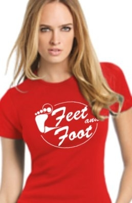 "T SHIRT FEMME Rouge ""Feet and Foot 2013"" modèle 1."