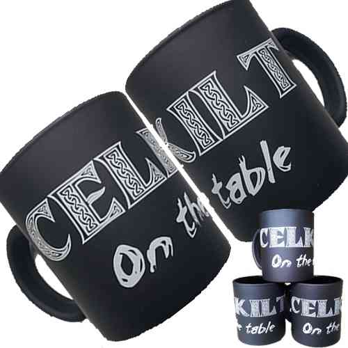 "MUG CELKILT ""On the table"""